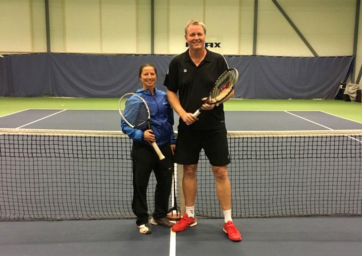 Siri Hauge og Per Ørnulf Steen etter seieren i mixed double.